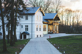 villas small windows